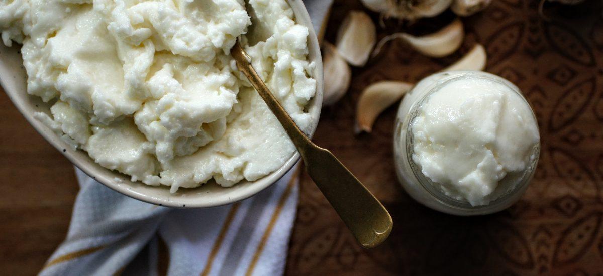 Lebanese Garlic Sauce, toum