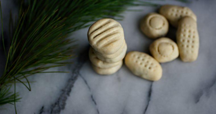 Lebanese Date Cookies