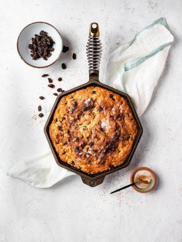 bread, quick bread, irish soda bread, raisins, raisin bread, saint patrick's day
