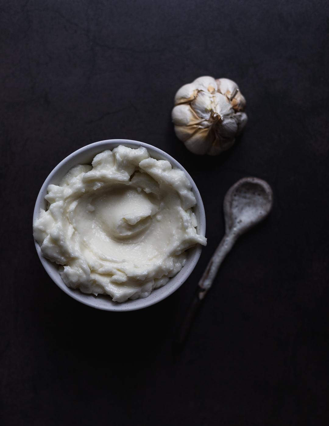 Toum – Lebanese Garlic Sauce