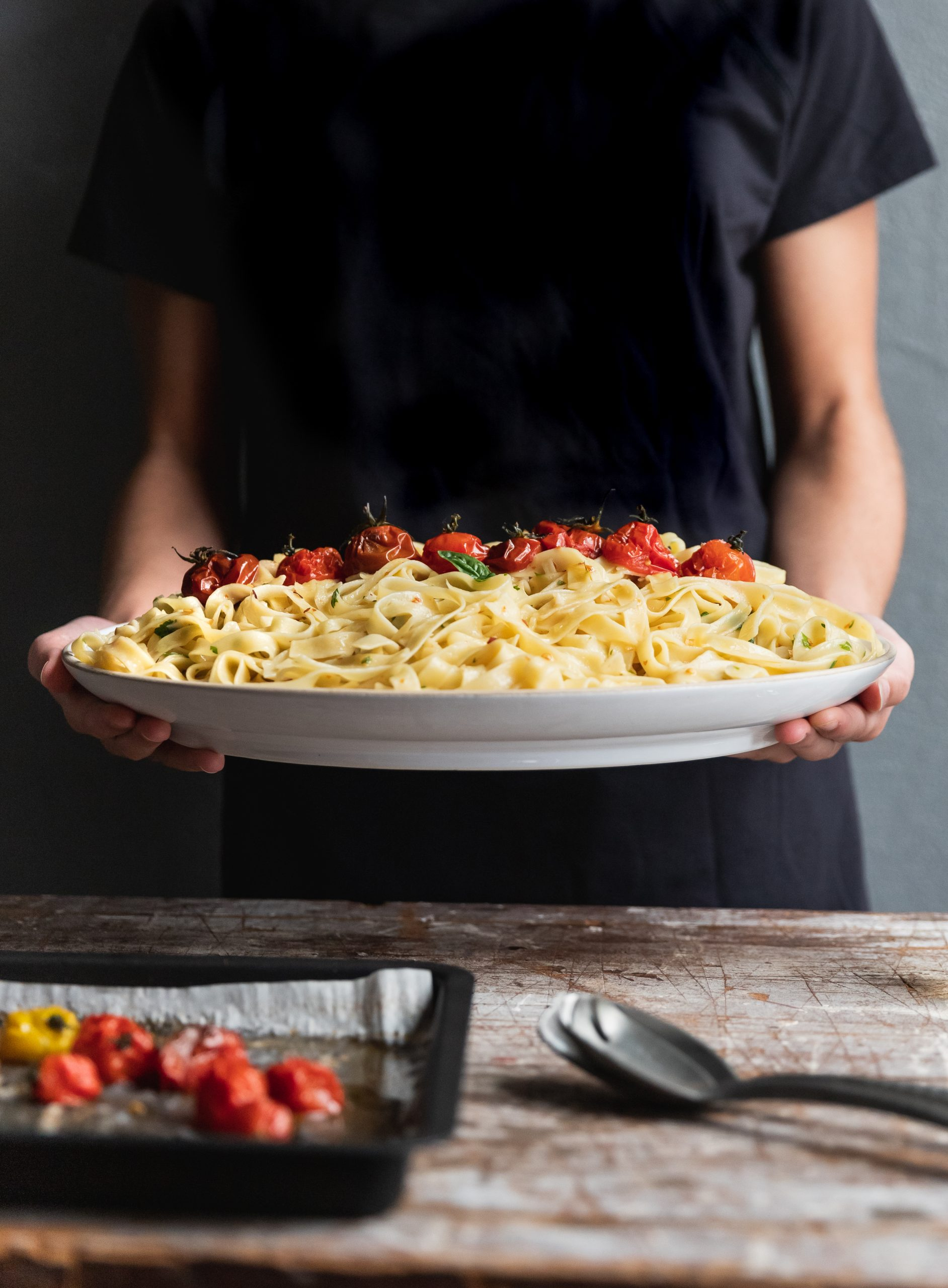 Pasta Aglio e Olio with Tomatoes (Fried Garlic and Red Pepper Olive Oil Pasta)